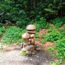 rzeźby w drodze do Lesni Bar